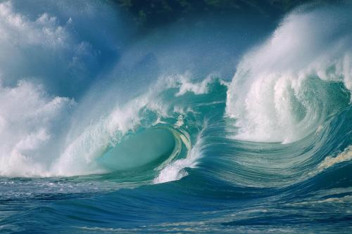 Ocean powerful waves