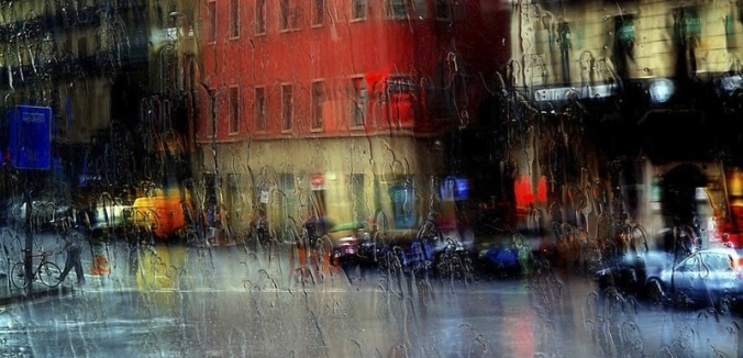 rain scene in the city